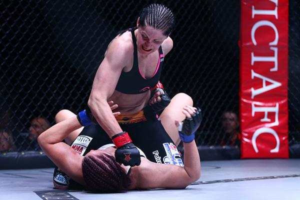 Invicta FC 8 results: Charmaine Tweet pounds out Veronica